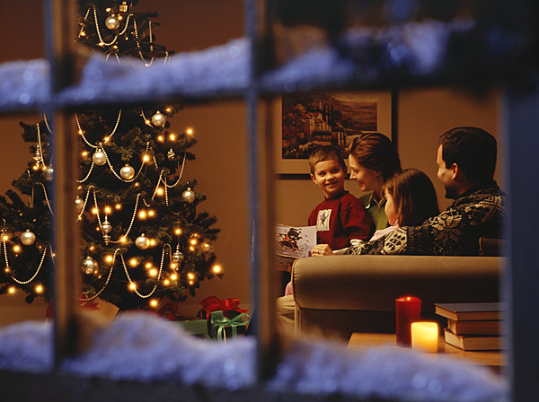 a discussion on christmas time 101 dinner table discussion starters we all know that family dinner is important but do you know how important they are if you could time travel.